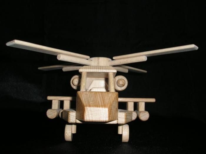 Holz-Militarhubschrauber