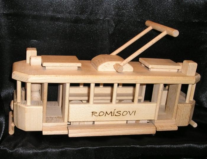 Strassenbahn Spielzeug aus Holz mit Gravur Name
