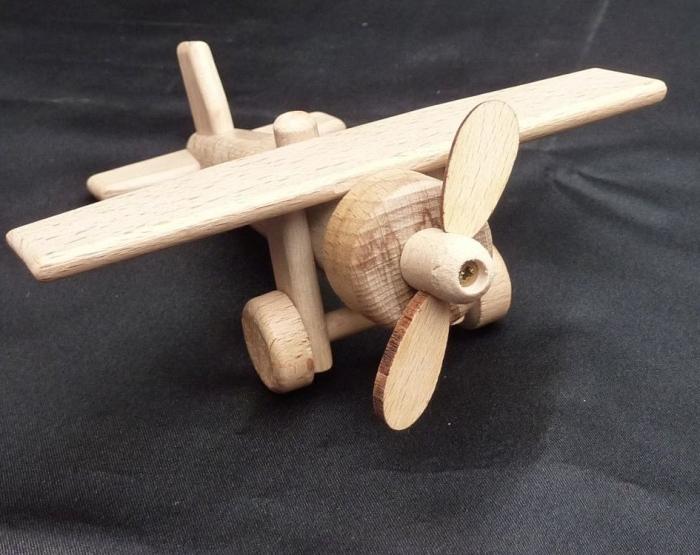 Spielzeug Flugzeuge aus Holz