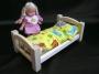Spielzeuge_und_Puppenbettchen_für_Mädchen
