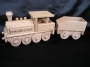 Lokomotiven Spielzeug aus Holz mit Gravur Name