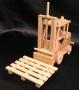 Holzspielzeug-Gabelstapler