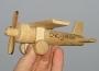Flugzeug aus Holz mit Gravur Name